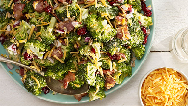 25_OCE_D8699_OceanSprayHol_Broccoli_And_Cranberry_Salad